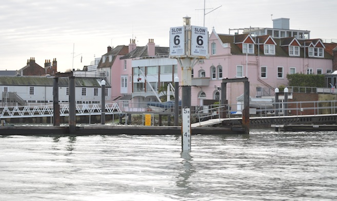 Local Tidal Flows in Cowes Harbour - tide gauge at Watch House Slip by the Island Sailing Club