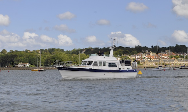 Motorboats using Cowes Harbour