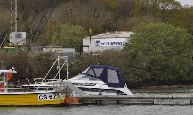 Local Shipping Agents in Cowes Harbour