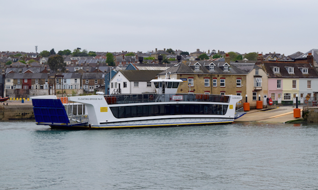 Cowes Chain Ferry - Floating Bridge