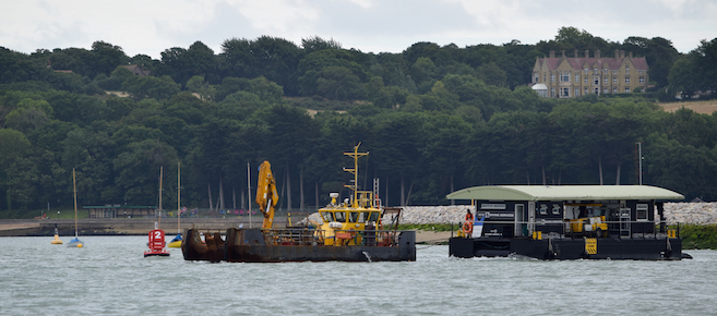 Seaclear carrying out towage project