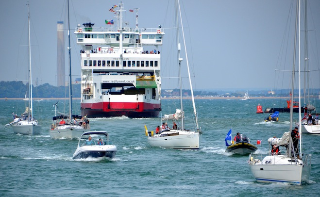 Small craft navigation at Cowes