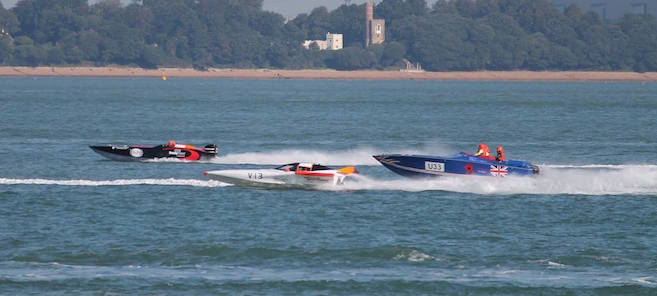Mr Noisy - Cowes Poole Cowes Powerboat Race 2015